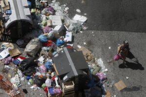 Roma Caput Mundi della 'monnezza', Time Out la incorona capitale più sporca del pianeta