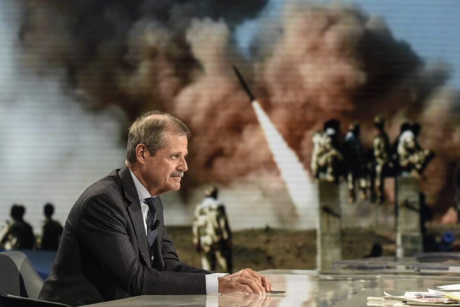 """""""Addio a Kabul un disastro, ma era una guerra figlia di un'altra epoca"""", parla l'ambasciatore Massolo"""