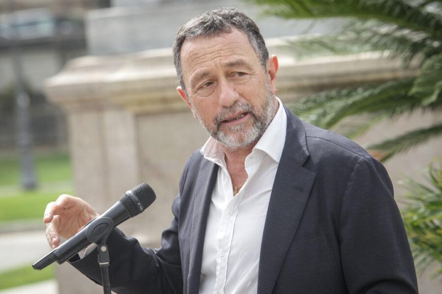 """Intervista a Gian Domenico Caiazza: """"Magistratura a pezzi ma continua a sottomettere il Parlamento"""""""