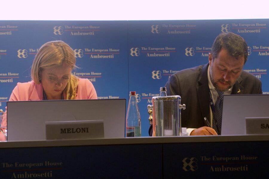 L'Europarlamento chiede a tutti gli Stati Ue di riconoscere le unioni Lgbt: contrari Lega e Meloni