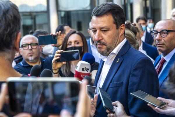 Green pass, Salvini perde ma fa finta di aver vinto