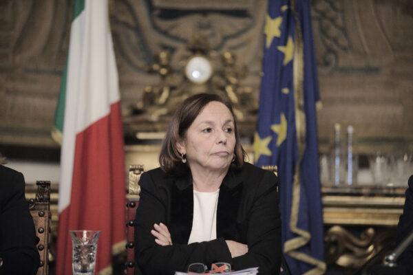"""Lamorgese non si lascia affondare: """"Ecco tutti i rave quando c'era Salvini"""""""