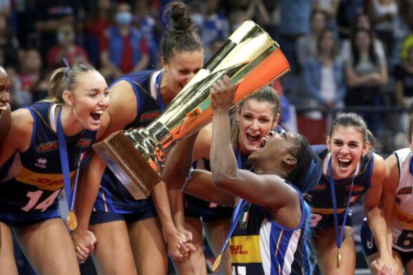 Le Notti Magiche non finiscono mai: l'Italia femminile stravince gli Europei di pallavolo