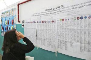 Il caso di Angela Baiano, candidata con due liste (Azzurri per Napoli e Repubblicani Democratici) finisce in Procura