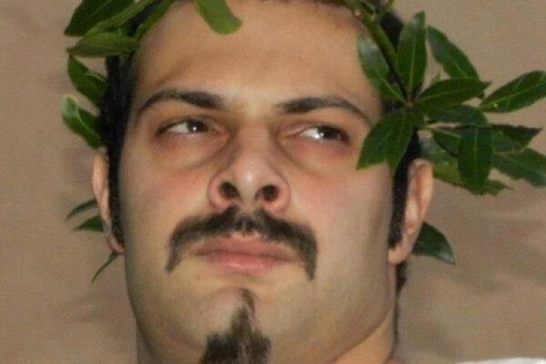 """""""Ho mal di testa, vado a riposare"""", Marco muore a 36 anni: trovato senza vita dalla moglie, lascia 2 bambini"""