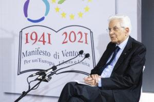 """Mattarella: """"Sovranità sì, ma condivisa per zittire in nemici dell'Ue"""""""