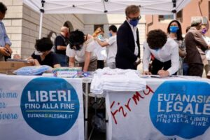 Come si raccolgono le firme per il referendum, il valore della democrazia diretta