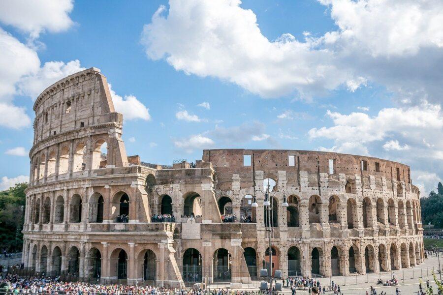 Auguri Roma e viva la bellezza!