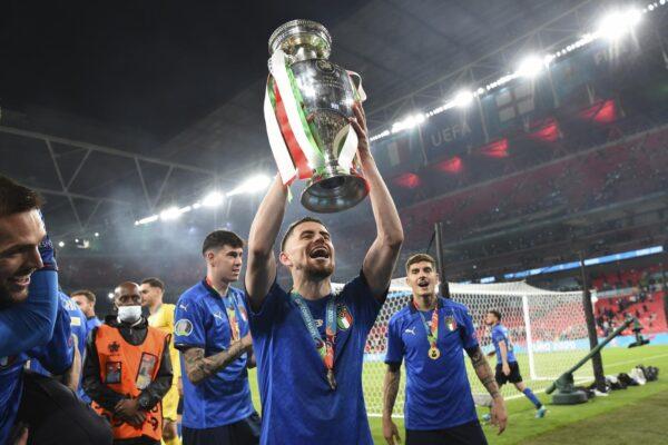 Chi sono i 30 candidati al Pallone d'oro: 5 italiani in corsa per il premio di miglior calciatore