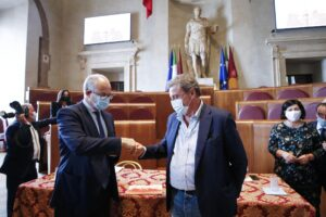 """Gualtieri scarica i grillini, assist a Calenda per il ballottaggio: """"Nessun 5 Stelle in giunta"""""""