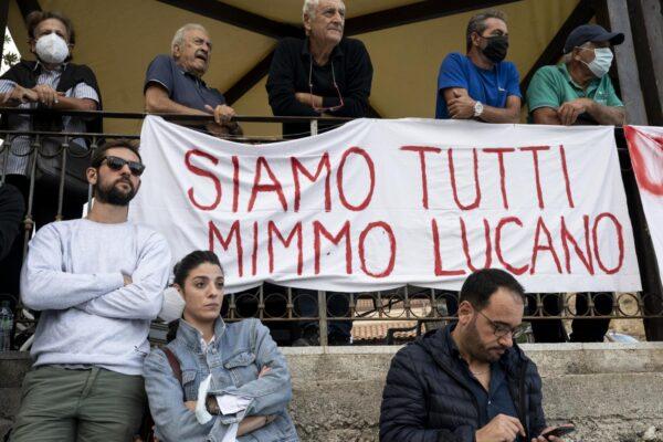 Caso Riace, la lezione di Calamandrei: la giustizia è Socrate, non è la cieca legalità