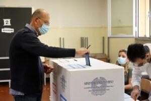 Ballottaggi, exit poll e proiezioni: la diretta da Roma, Torino e tutti i 65 Comuni al voto