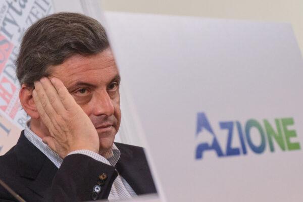 Calenda vuole aggregare ma poi litiga con Renzi, falsa partenza per la fase due di Azione