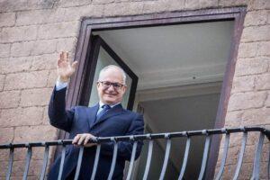 """Gualtieri si insedia in Campidoglio e ringrazia la Raggi: """"Ma ora inizia fase intensa"""""""