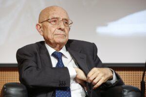 """Intervista a Sabino Cassese: """"Altro che divisione, siamo alla confusione dei poteri"""""""