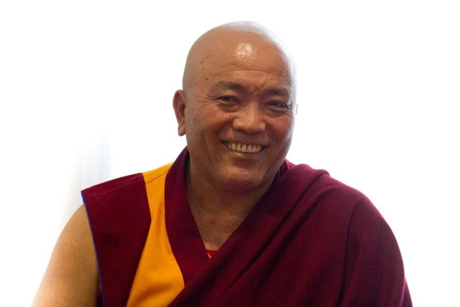 Il monaco buddhista Geshe Tempel incontra i detenuti di Poggioreale