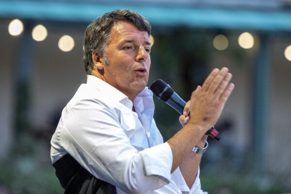 """Fondazione Open, Renzi attacca: """"Dopo due anni si passa dalla fogna giustizialista alla civiltà del dibattimento"""""""