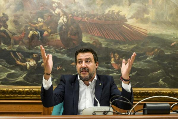 A furia di zigzag Salvini si è messo in trappola