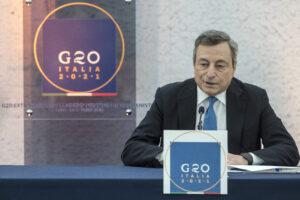 """Scioglimento di Forza Nuova, Draghi frena: """"Stiamo riflettendo"""""""