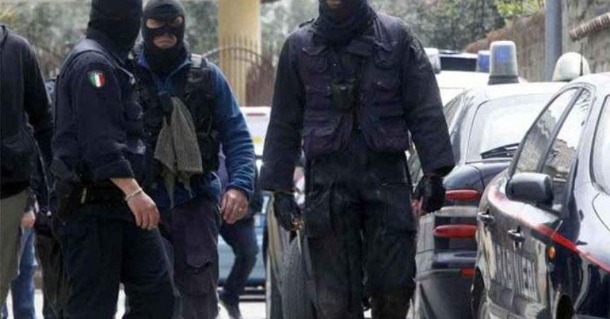 """Sequestrato per 8 giorni in attesa del riscatto, 25enne liberato dai carabinieri: """"Era  ammanettato e scalzo"""""""