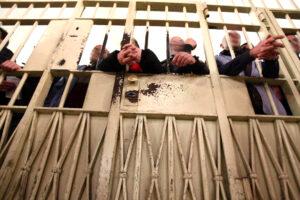 Carceri in Campania, l'allarme di Antigone: le prigioni tornano a scoppiare