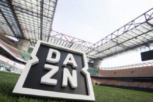 Dazn e Sky 'pezzotti', denunciati 1800 abbonati a nero: multe da 300mila euro per i clienti delle pay-tv pirata
