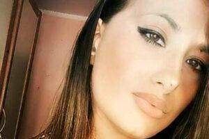 """Giulia muore a 25 anni in un incidente, tre anni fa stessa sorte per il fidanzato: """"Ora siete angeli insieme"""""""