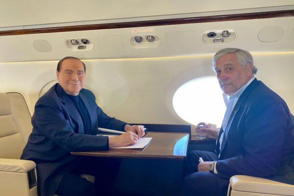 """Berlusconi show a Bruxelles: """"Draghi al Quirinale? Meglio premier"""". Scontro con Gelmini: """"Fuori dalla realtà"""""""